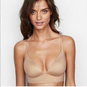 Victoria's Secret | Tan Lightly Lined Plunge Bra